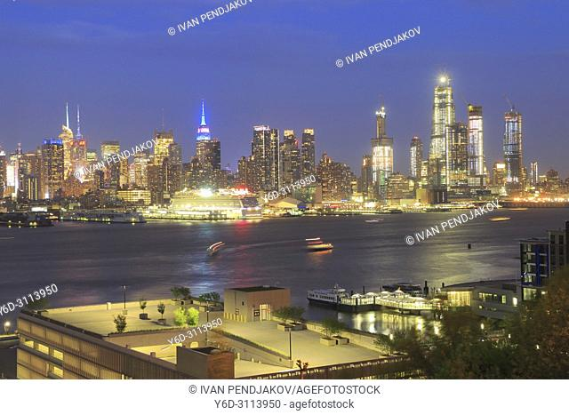 Manhattan in the Evening, New York, USA