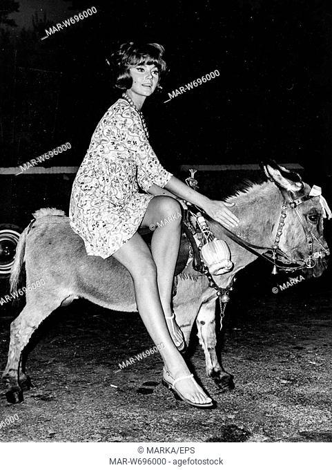sylva koscina, sorrento, 1968