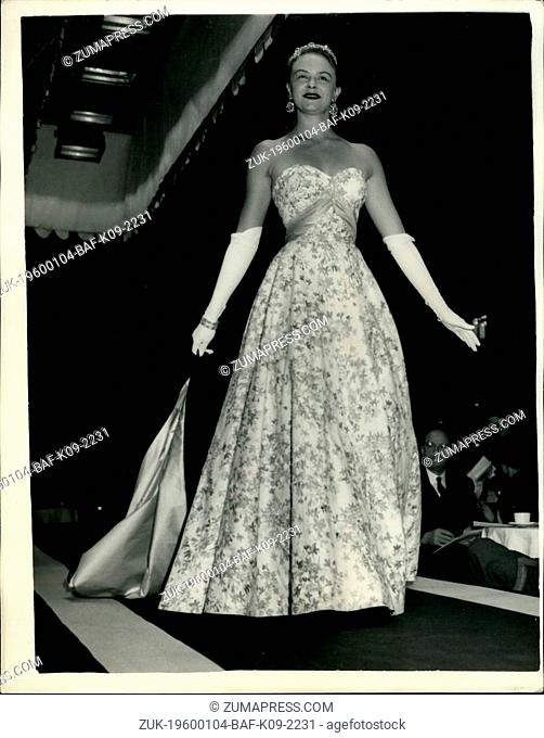 1954 - 'Miss America' shows off Fashion Styles.: Miss Evelyn Ay - winner of the 'Miss America' beauty title for 1954 - was to be seen modelling styles at a...