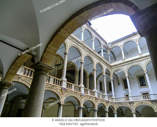 Entrance to the Palatine Chapel, Cappella Palatina, Medieval Byzantine style mosaics, Palermo, Sicily,Italy
