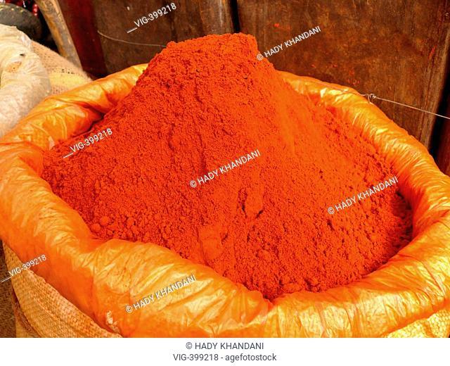 spices on a market in Kolkata - Kolkata (ehemals Kalkutta), Westbengalen, Indien, 22/01/2007