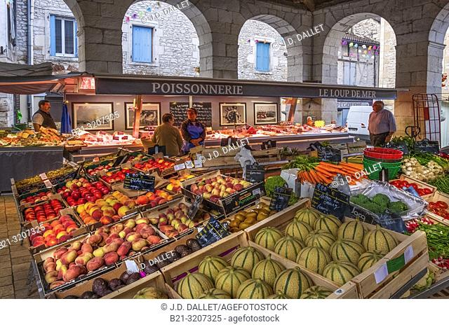 France, Occitanie, Lot, on the market at Souillac