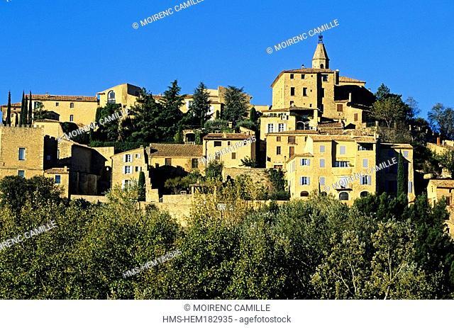 France, Vaucluse, Crillon le Brave, village
