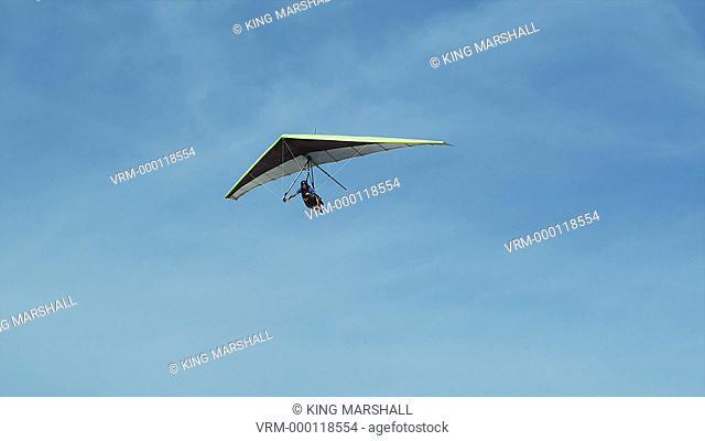 WS PAN POV Man hang gliding / Lehi, Utah, USA