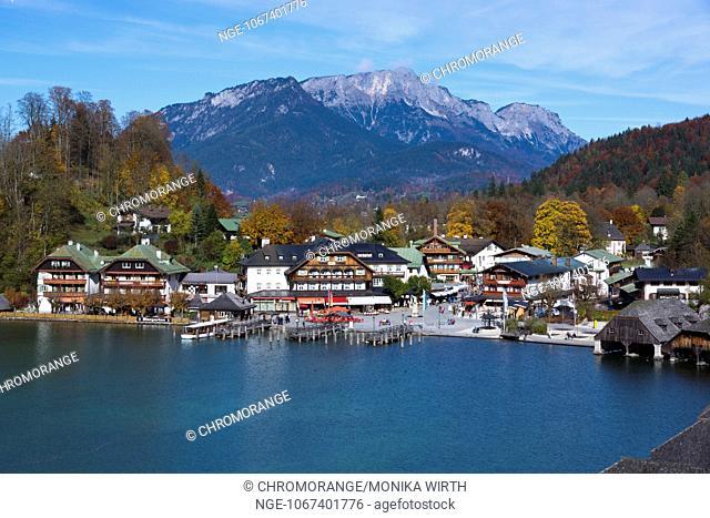 Lake Koenigssee with the city of Schoenau am Koenigssee, Berchtesgaden Nation Park, Berchtesgadener Land, Upper Bavaria, Bavaria, Germany, Europe