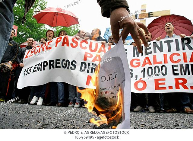 Workers demonstrate againts layoff by Leche Pascual. Outeiro de Rei, Province of Lugo, Spain