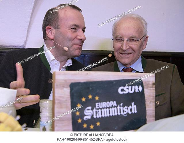 04 February 2019, Bavaria, Tegernsee: Manfred Weber (l, CSU), joint top candidate of the CSU, CDU and EVP, and Edmund Stoiber, honorary chairman of the CSU
