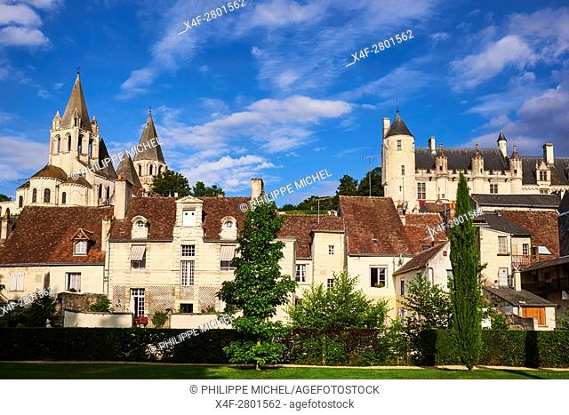 France, Indre-et-Loire (37), Loches, Royal castle and dwelling, St-Ours church, garden public