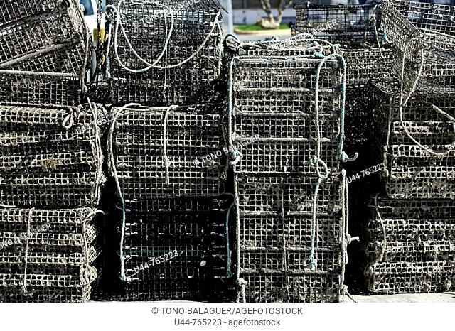 Fishing gear, Cages