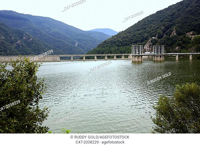 Catalunya, Spain, Girona province, la Selva area, Osor municipality, Susqueda reservoir at full capacity over Ter river. The reservoir can contain 238 cubic...