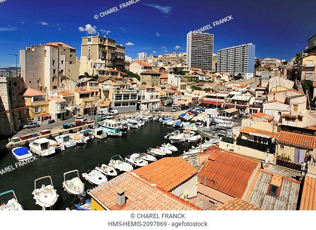 France, Bouches du Rhone, Marseille, Vallon des Auffes, a small harbour in Marseille center town