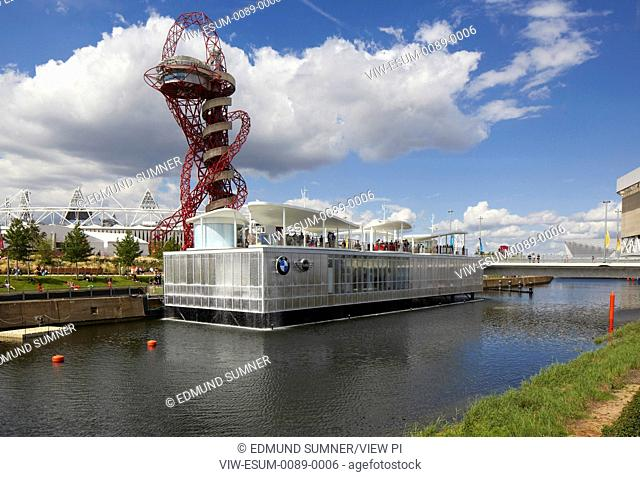Positioned on the waterworks river, BMW group pavilion by London-based Serie Architects served visitors to the olympic park. Ev