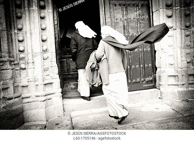 Nuns in Ledesma, Salamanca province, Castilla and León, Spain