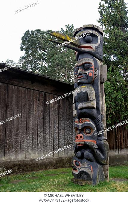 Totem pole, RBCM, Victoria, Vancouver Island, British Columbia, Canada