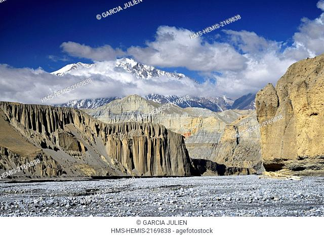 Nepal, Gandaki zone, Upper Mustang (near the border with Tibet), canyon and river between Yara and Tangge