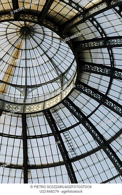 Milano (Italy), Galleria Vittorio Emanuele II, the roof glasses