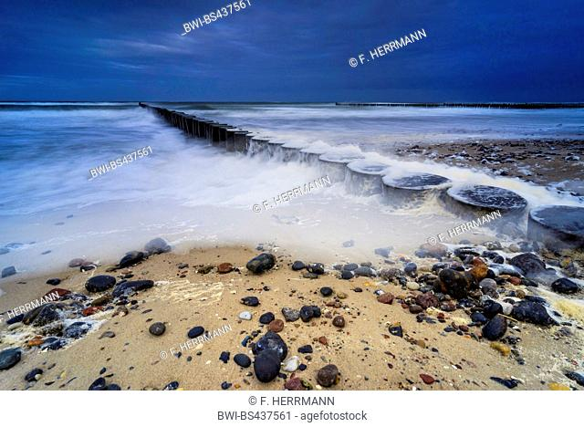 spur dike in the stormic Baltic Sea in the evening, Germany, Mecklenburg-Western Pomerania, Darss, Prerow