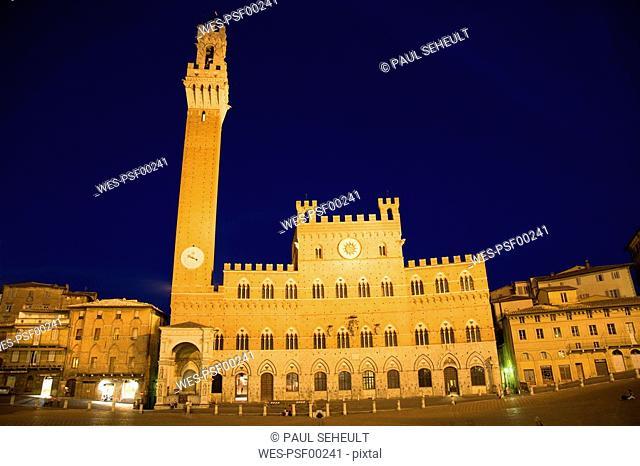 Italy, Tuscany, Siena, Palazzo Pubblico at night