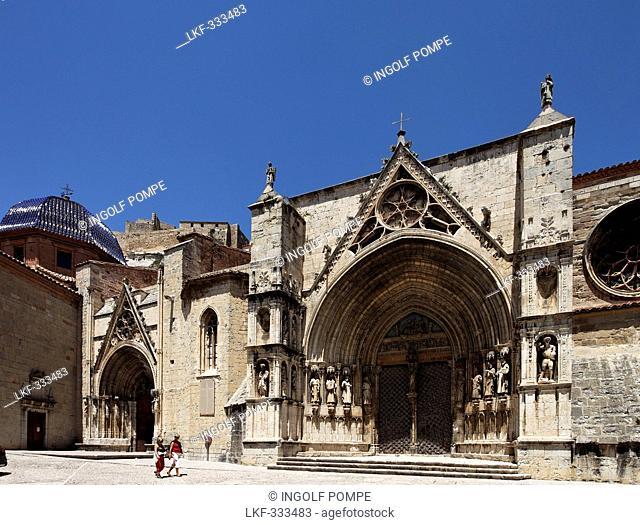 Gate of the Church Santa Maria la Mayor, Morella, Castellon, Costa del Azahar, Province Castello, Spain