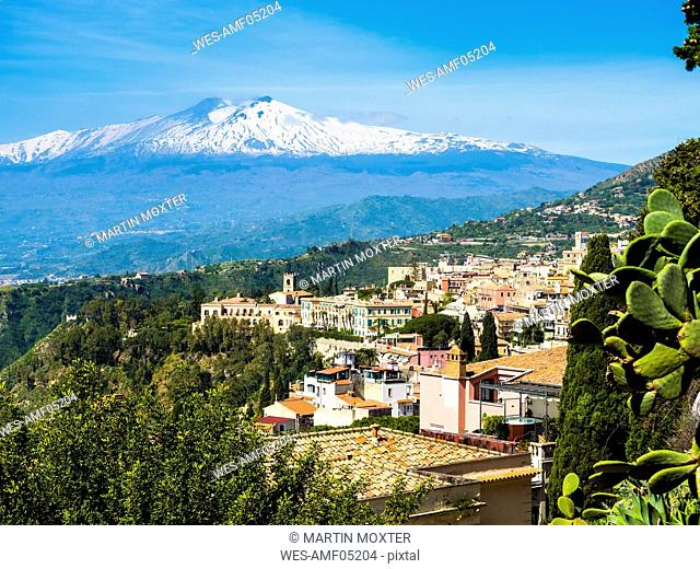 Italy, Sicily, Taormina, view to the city from above with Mount Etna in the background