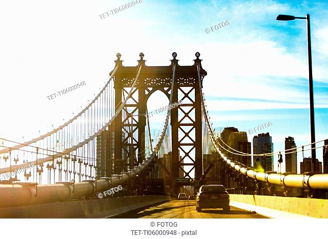 USA, New York, New York City, Blue sky over Brooklyn Bridge