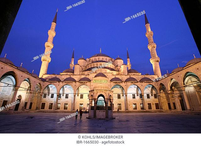 Illuminated inner courtyard of the blue Mosque at night, Sultan-Ahmed-Mosque, Sultanahmet Camii, Istanbul, Republic of Turkey