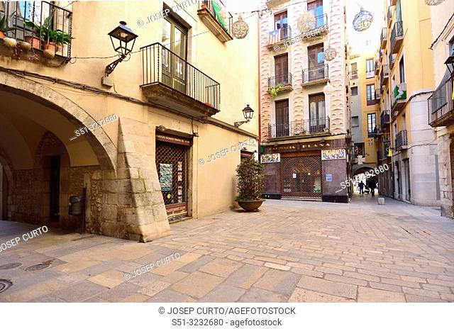 Square of Les Casteanyes old town of Girona, Catalonia, Spain