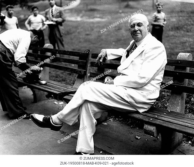 Aug. 18, 1950 - New York, NY, U.S. - Financier, speculator and statesman, Mr. BERNARD M. BARUCH (1870-1965) relaxes on a bench in Central Park, New York