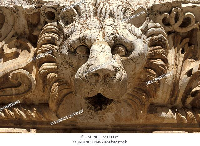 Archeological site - In the court close to the Bacchus Temple, head of a king used as gargoyle