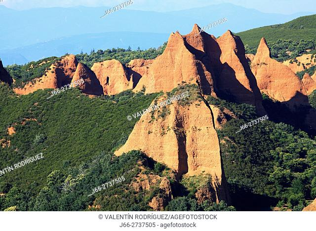Las Médulas, old gold mining from Roman times. León