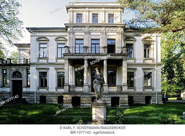 Historical villa St. Petersburg, Loschwitzer Strasse, Dresden-Blasewitz, Saxony, Germany, Europe