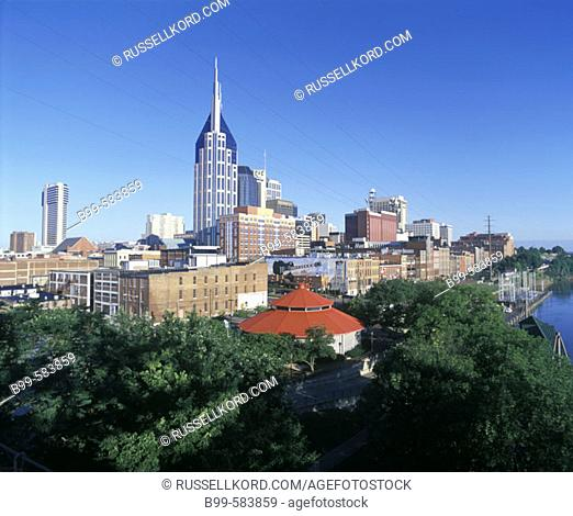 Downtown Skyline & Riverfront Park, Nashville, Tennessee, Usa