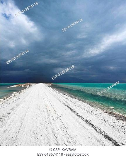 The road in the middle of the sea