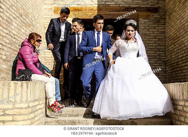 A Wedding Party Visit The Pahlavan Muhmud Mausoleum , Khiva, Uzbekistan