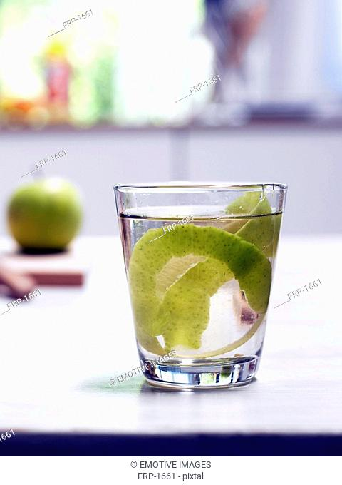 Apple tea glass with paring