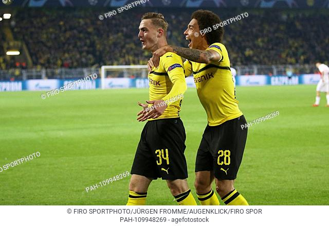 firo: 03.10.2018 Football, Football, Champions League: BVB Borussia Dortmund - AS Monaco 3: 0 jubilation, goal to 1: 0 Jacob Bruun Larsen with Axel Witsel |...
