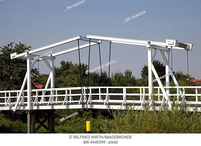 Hogendiekbrücke, drawbridge, Steinkirchen, Altes Land, Lower Saxony, Germany