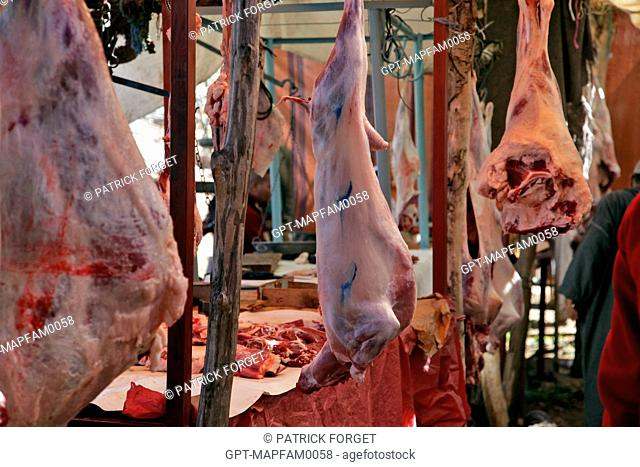 HALAL MEAT STALL, THE BUTCHER'S IN THE BAZAAR, BERBER MARKET OF TAHANAOUTE, AL HAOUZ, MOROCCO