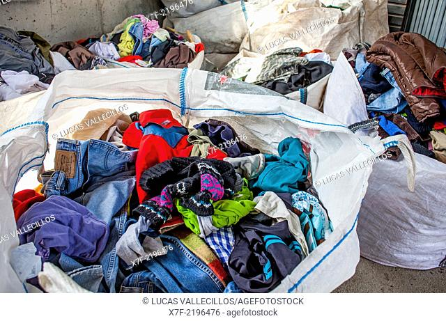 Clothes storage to recycle,recycling center