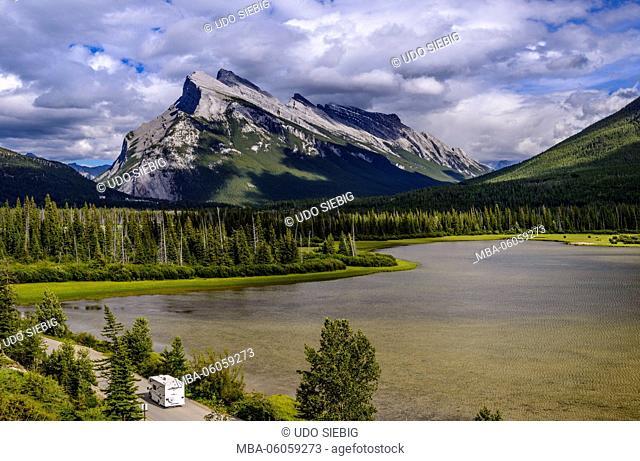 Canada, Alberta, Banff National Park, Banff, Vermilion Lakes against Mount Rundle