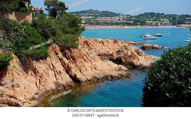 Small bay near the town of Sant Feliu de Guíxols, in the province of Girona, Calalonia autonomous region, Spain, Europe