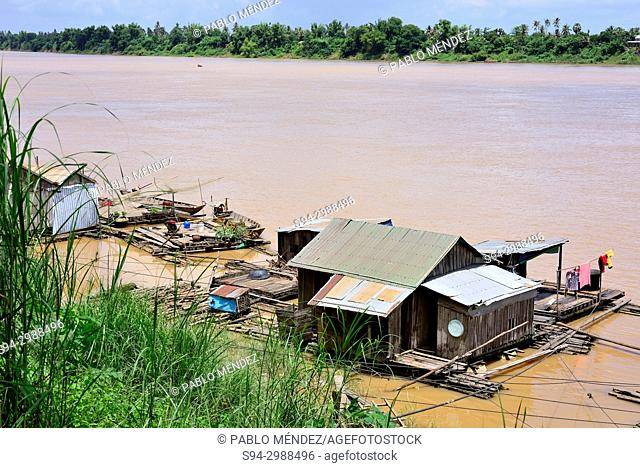 Vietnamese floating village in the edge of Mekong river, Koh Trong island, Kratie province, Cambodia
