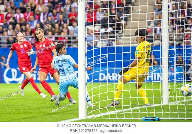 France, Reims, Stade Auguste-Delaune, 11.06.2019, Football - FIFA Women's World Cup - USA - Thailand Photo: vl goal to make it 5-0 by Alex Morgan (USA, # 13)