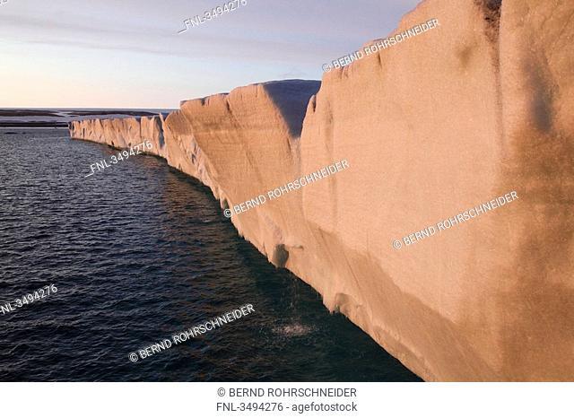 Glacier Brasvellbreen, Spitsbergen, Norway, Europe