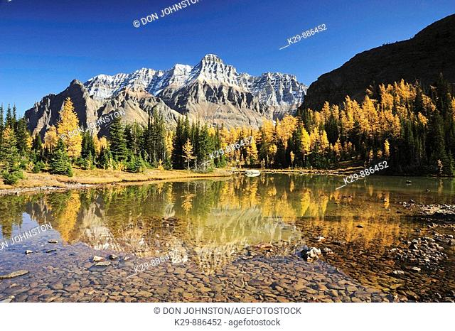 Wixwaxy peaks and Mt Huber reflected in Schäffer Lake