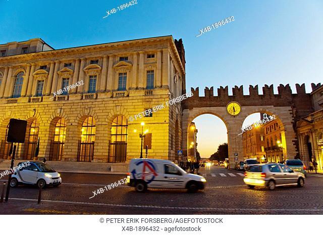 Italy, Veneto Region, Verona, Traffic at Piazza Bra square