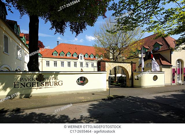 Germany, Recklinghausen, Ruhr area, Westphalia, North Rhine-Westphalia, NRW, Engelsburg, former aristocratic estate, nowadays hotel, Parkhotel Engelsburg
