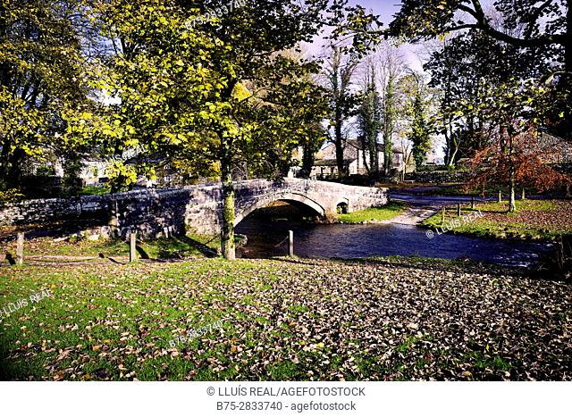 View of river and bridge in the evening. Linton, Grassington, Yorkshire Dales, North Yorkshire, Skipton, UK