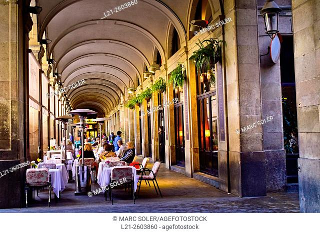 Plaça Reial arcades, designed by Francesc Daniel Molina i Casamajó, XIX Century. Barcelona, Catalonia, Spain