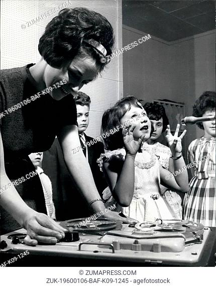 1962 - The glamorous Mrs. Jean Burman records the voice of one of her more promising pupils, Ruth -enleman, age 6. (Credit Image: © Keystone Pictures...